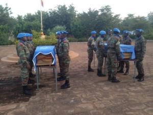 Les dépouilles des deux soldats sénégalais,Credit photo: malijet.com